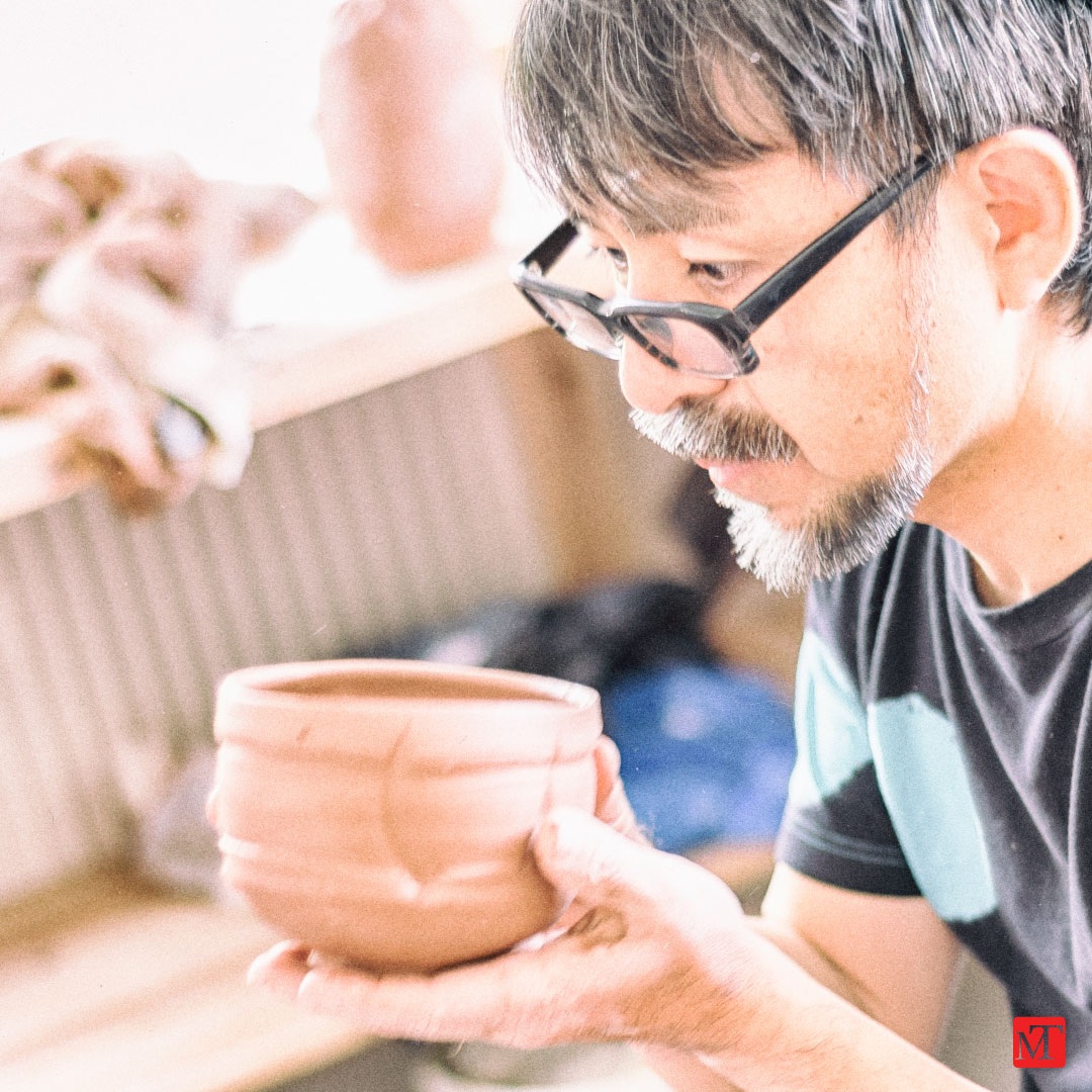 Tanimoto Yoh making a chawan: photo by Matthew Tyas